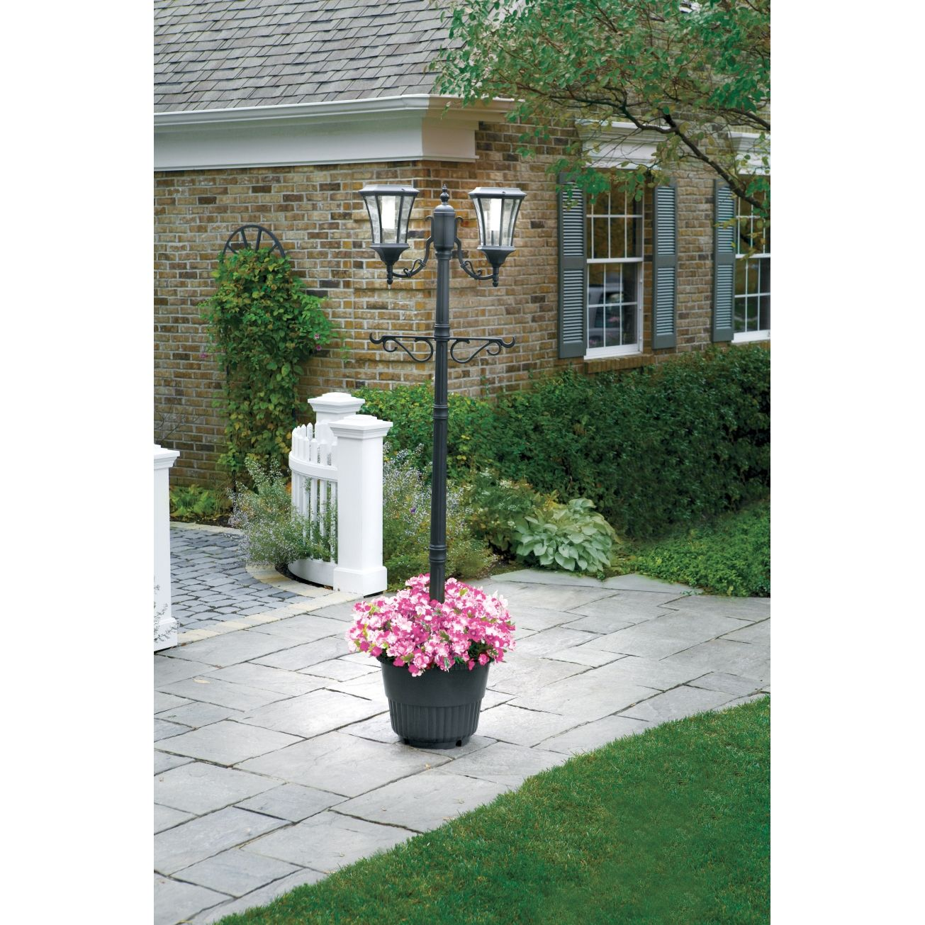 sunergy solar lamp post with planter base 50400356 outdoor. Black Bedroom Furniture Sets. Home Design Ideas