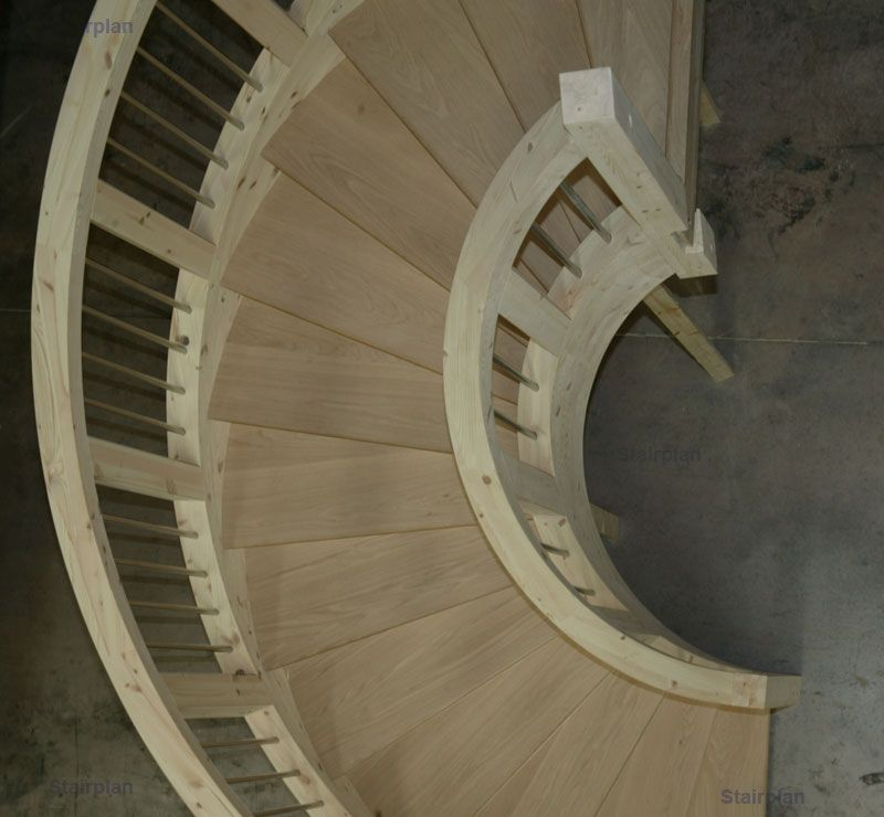 Best Looking From Above The Curved Staircase Лестничные 400 x 300