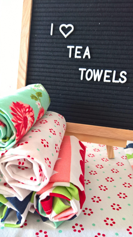 Tea Towel Gift Set, Gift For Her, Retro Kitchen Towels, Hand Towel Set