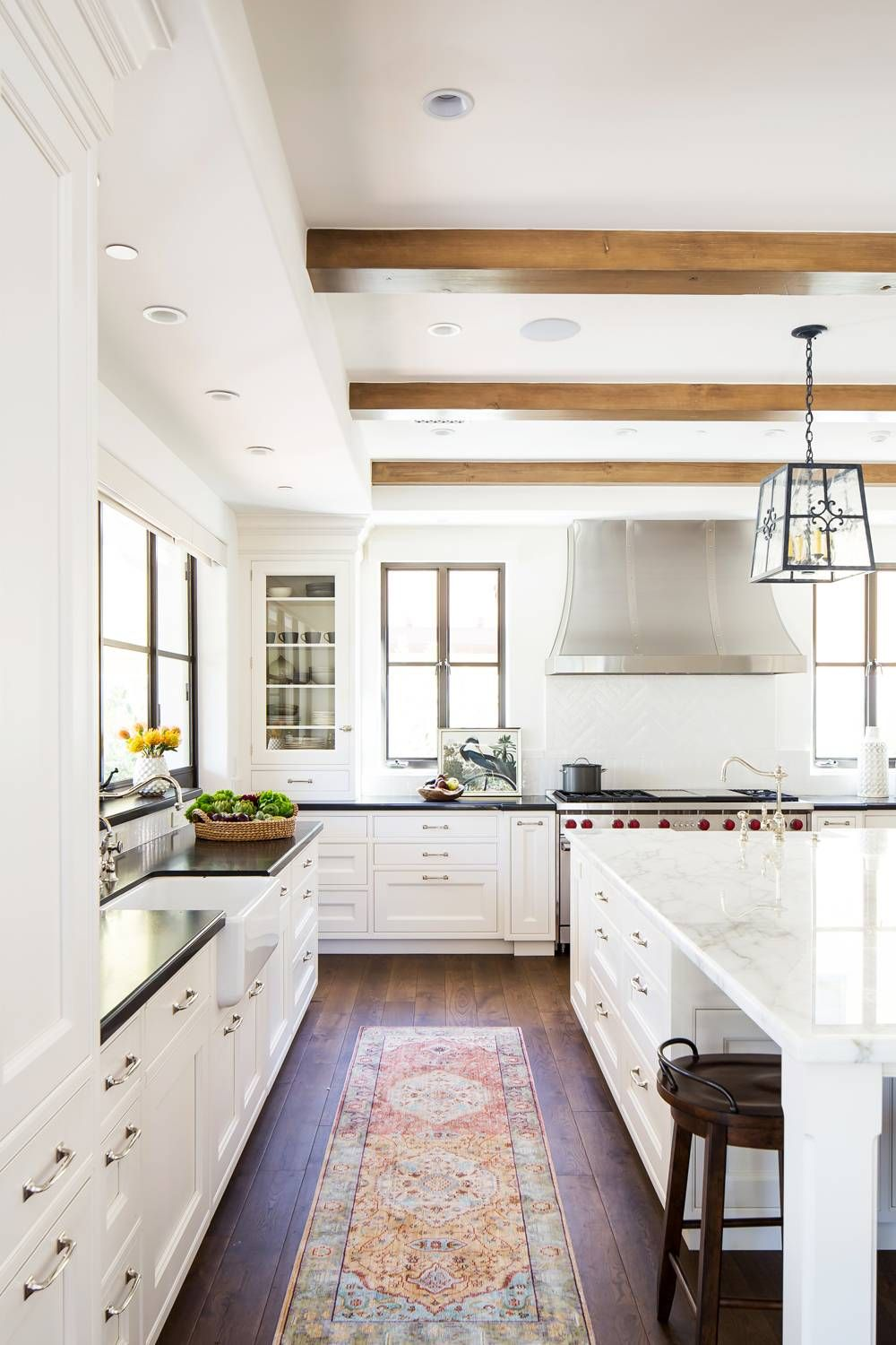 Classic Spanish Meets California Cool In This Striking Kitchen Makeover White Kitchen Design Kitchen Cabinet Design Home Decor Kitchen