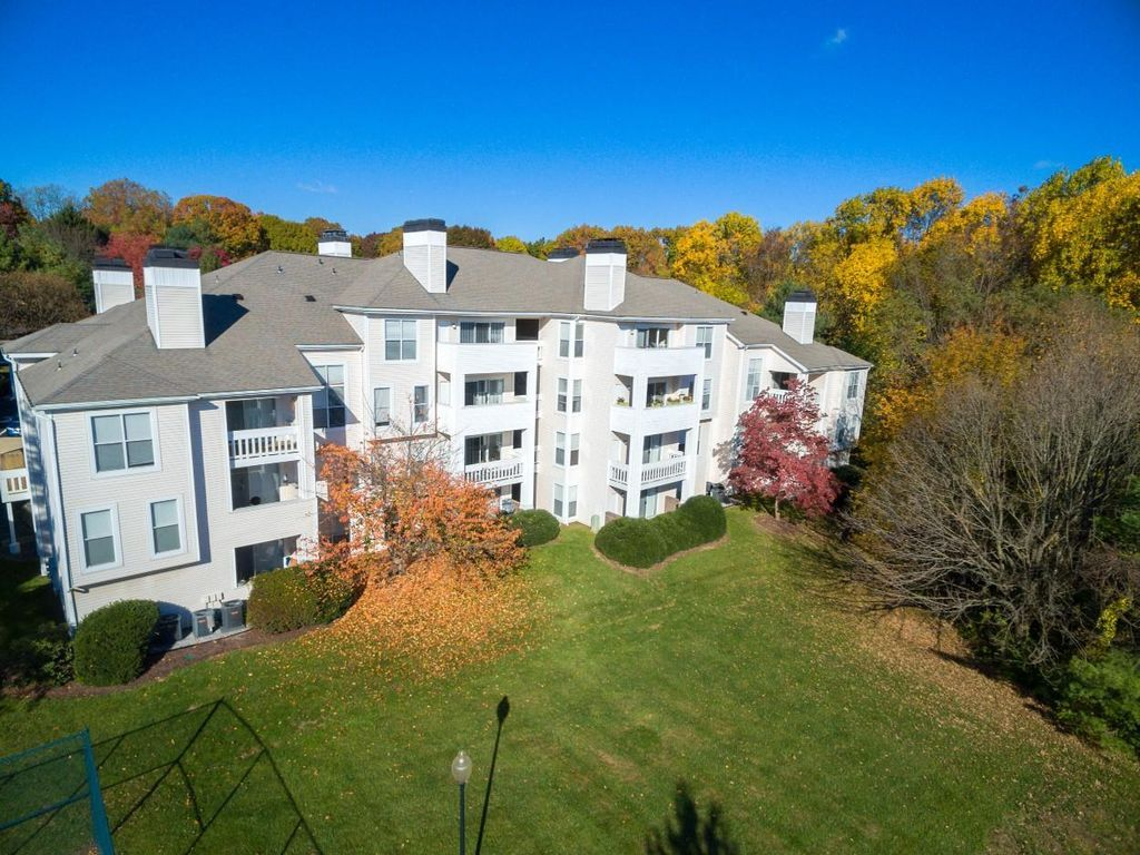 The Apartments At Pike Creek Newark De 19711 Zillow Delaware Homes For Sale Zillow Real Estate