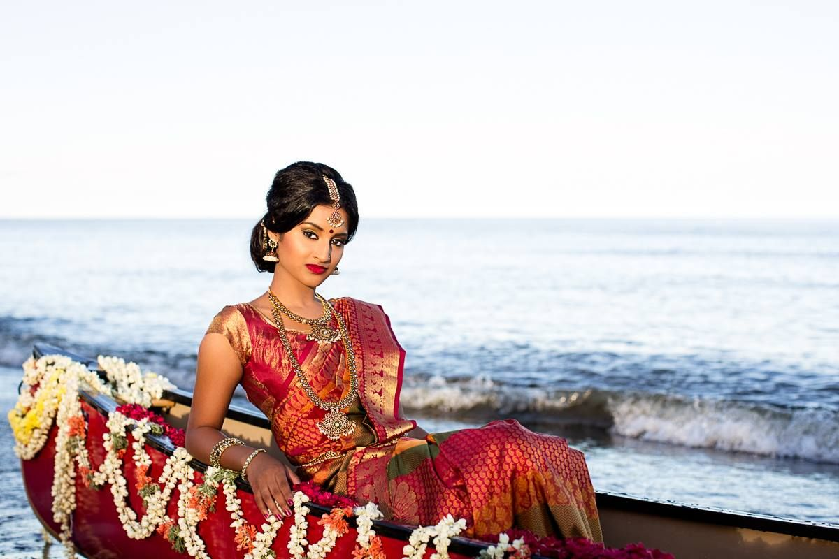 Traditional Southern Indian bride wearing bridal kanjevaram silk ...