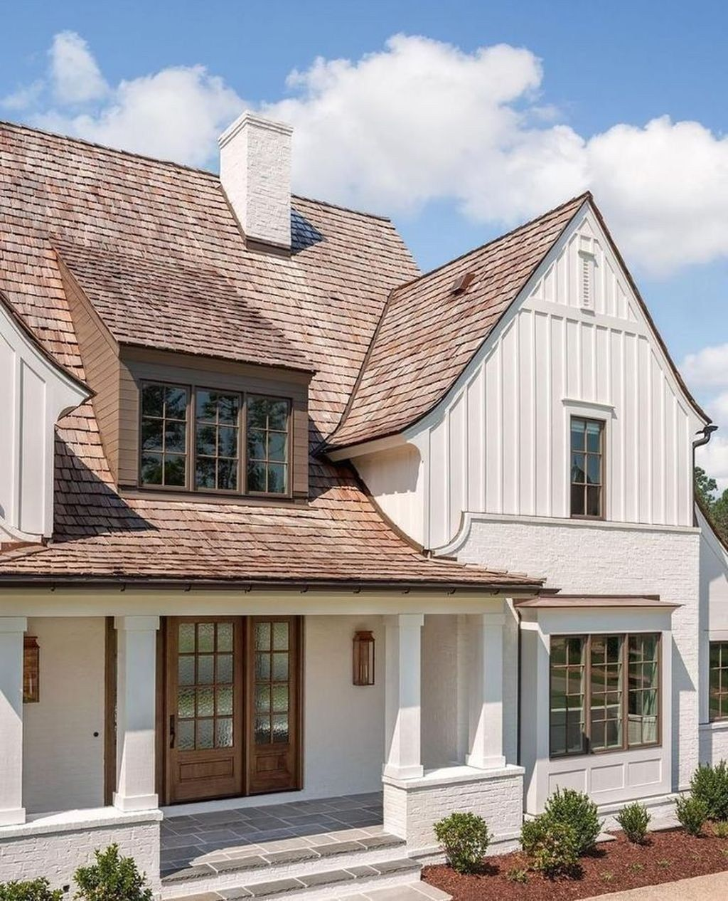Astonishing Exterior Paint Colors Ideas For House With