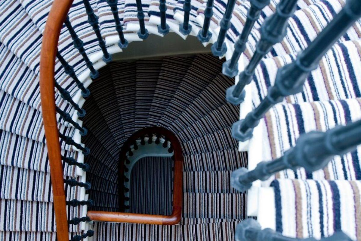 Stairwell, Merchiston Serviced Apartments, Edinburgh ...