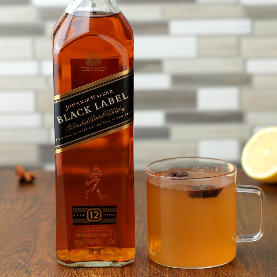 Treat yourself this season and make this warming winter-spice hot toddy with Johnnie Walker Black Label!