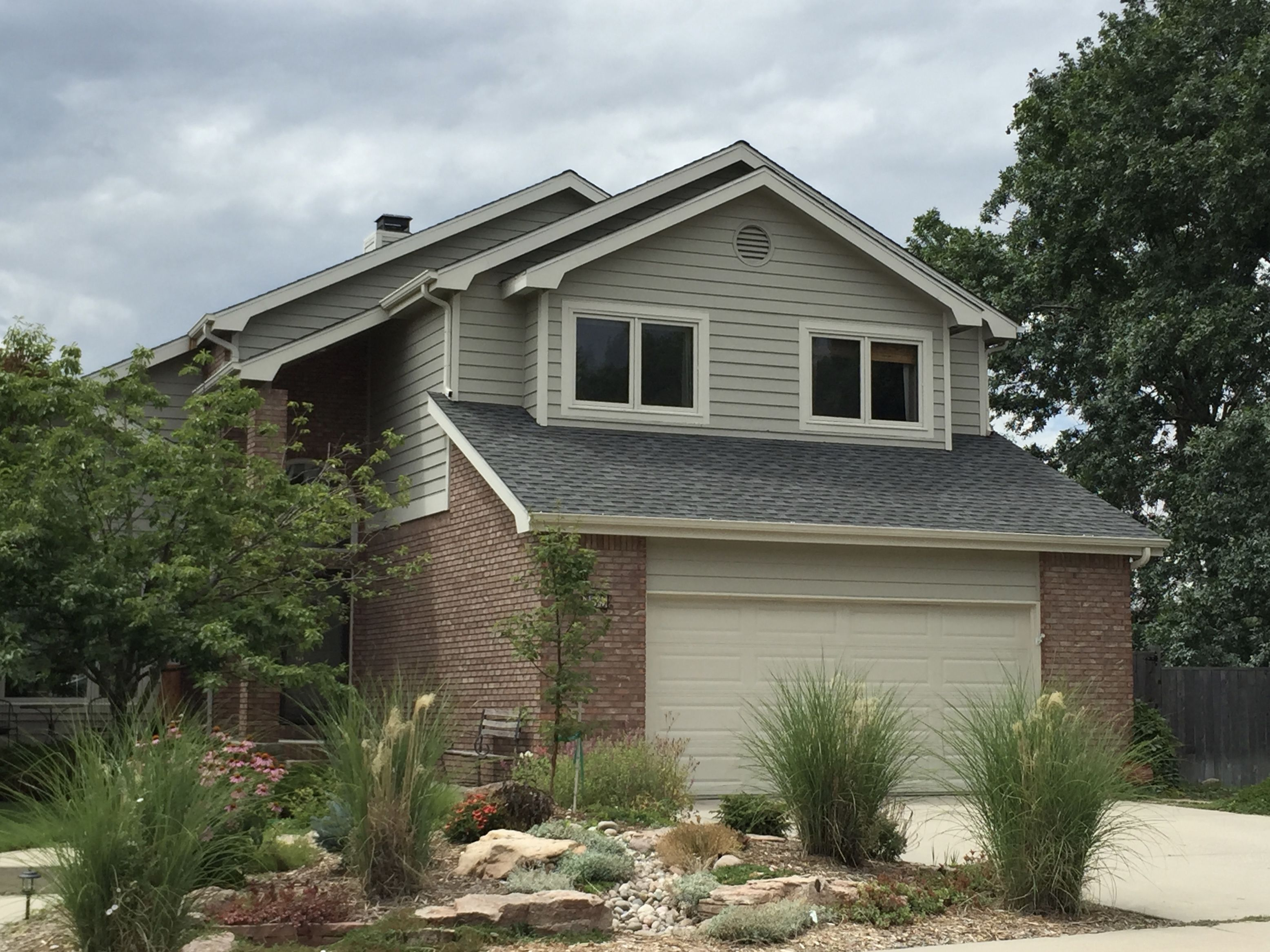 This House In Fort Collins Has Weathered Wood Shingles On It From The Gaf Timberline Hd Shingle Line House Exterior Wood Shingles Weathered Wood