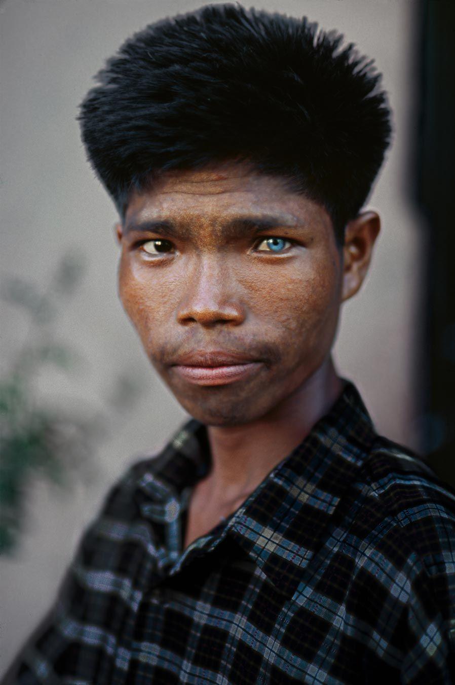 Asian Man Blue Eye Photo By Steve Mccurry Steve Mccurry