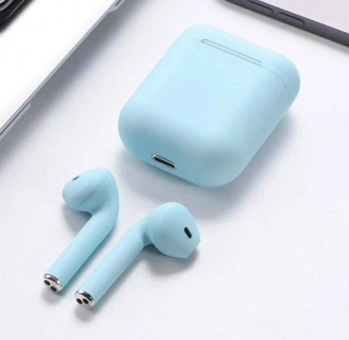 What It S Really Like Using Airpods Apple S 159 Wireless Headphones For The Iphone 7 Wireless Headphones Headphones Apple