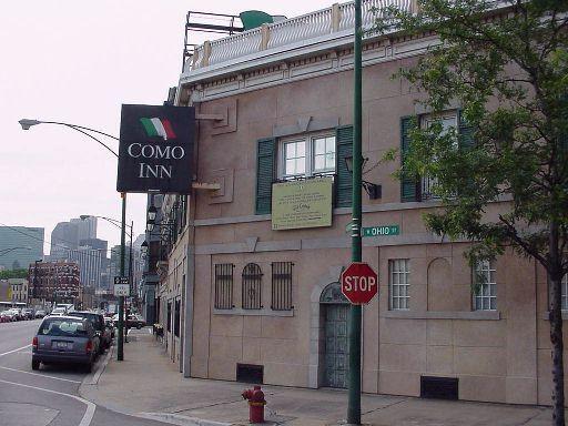 Chicago Como Inn Closed With Photo Via Planet99 Chicago Chicago Photos Chicago Architecture