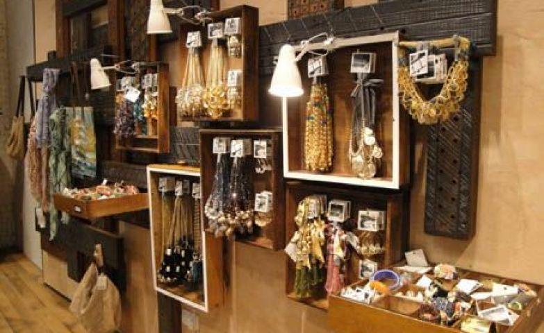 100 Creative Jewelry Visual Merchandising Ideas Visual
