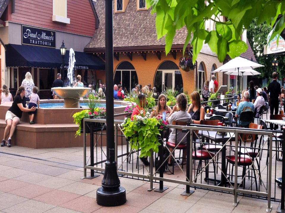 Westport Plaza In Maryland Heights Has A Variety Of Restaurants Bars Entertainment Venues
