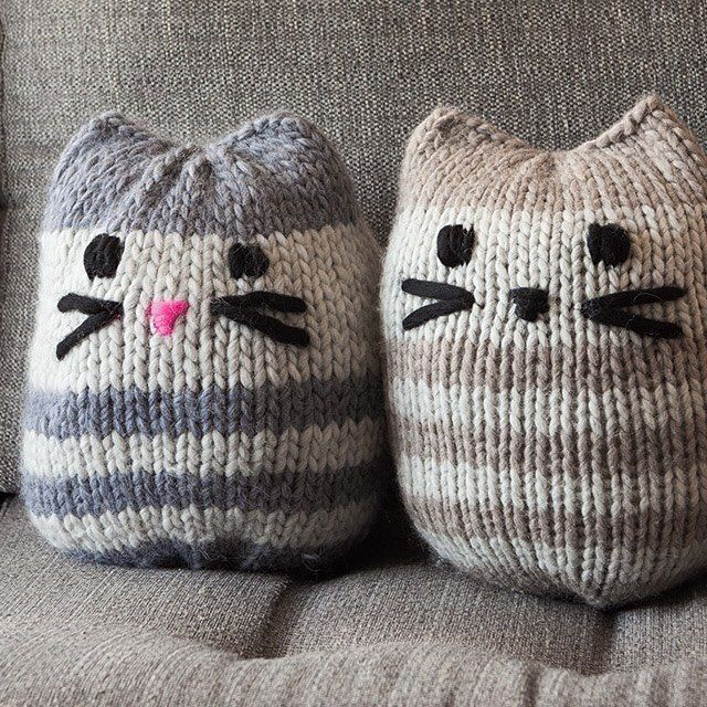 Check This Me Owt For One Week Only The Mini Kitty Pouf Pattern Is Free Downloa Knitting Machine Patterns Knitting Machine Projects Loom Knitting Projects