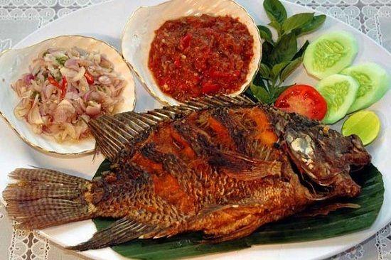 Resep Dan Cara Membuat Ikan Nila Goreng Yang Renyah Dan Garing Dengan Bumbu Sederhana Resep Ikan Resep Makanan Ikan