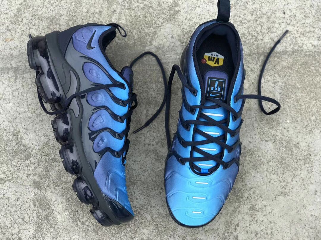 timeless design 6f12d 49582 Nike Air VaporMax Plus