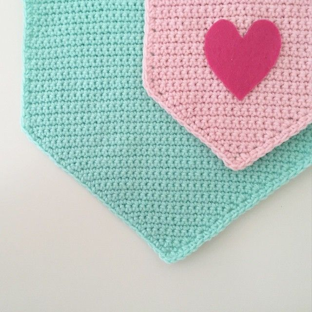 Meet Sarah Of Little Fox Crochet Diy Crochet And Knitting Crochet Bunting Pattern Crochet Yarn