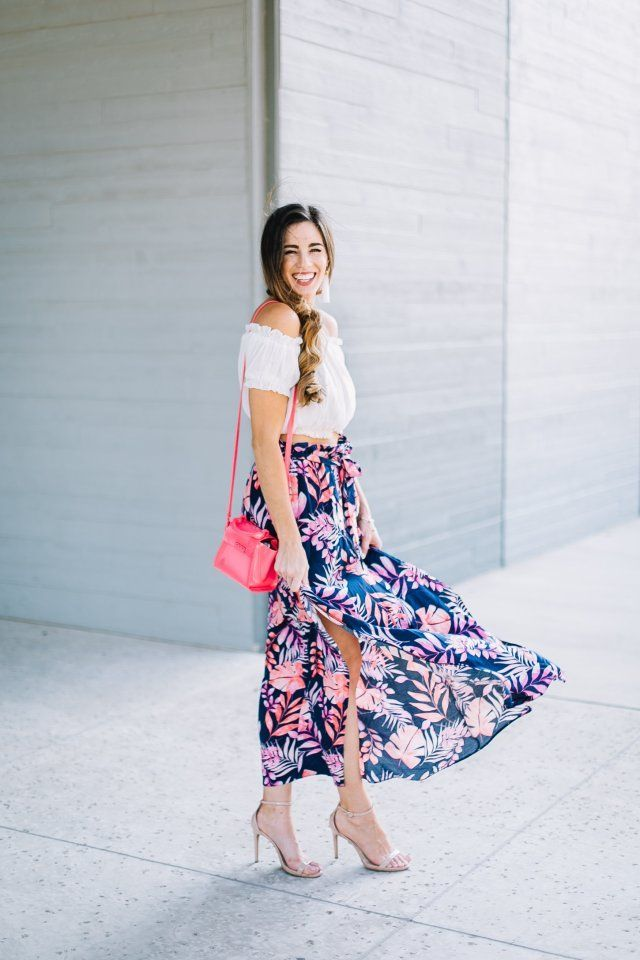 The Perfect Vacation Outfit: Tropical Maxi Skirt   tropical outfit   womens fashion   Beach look   ASOS maxi skirt   Trendy outfit   street style  