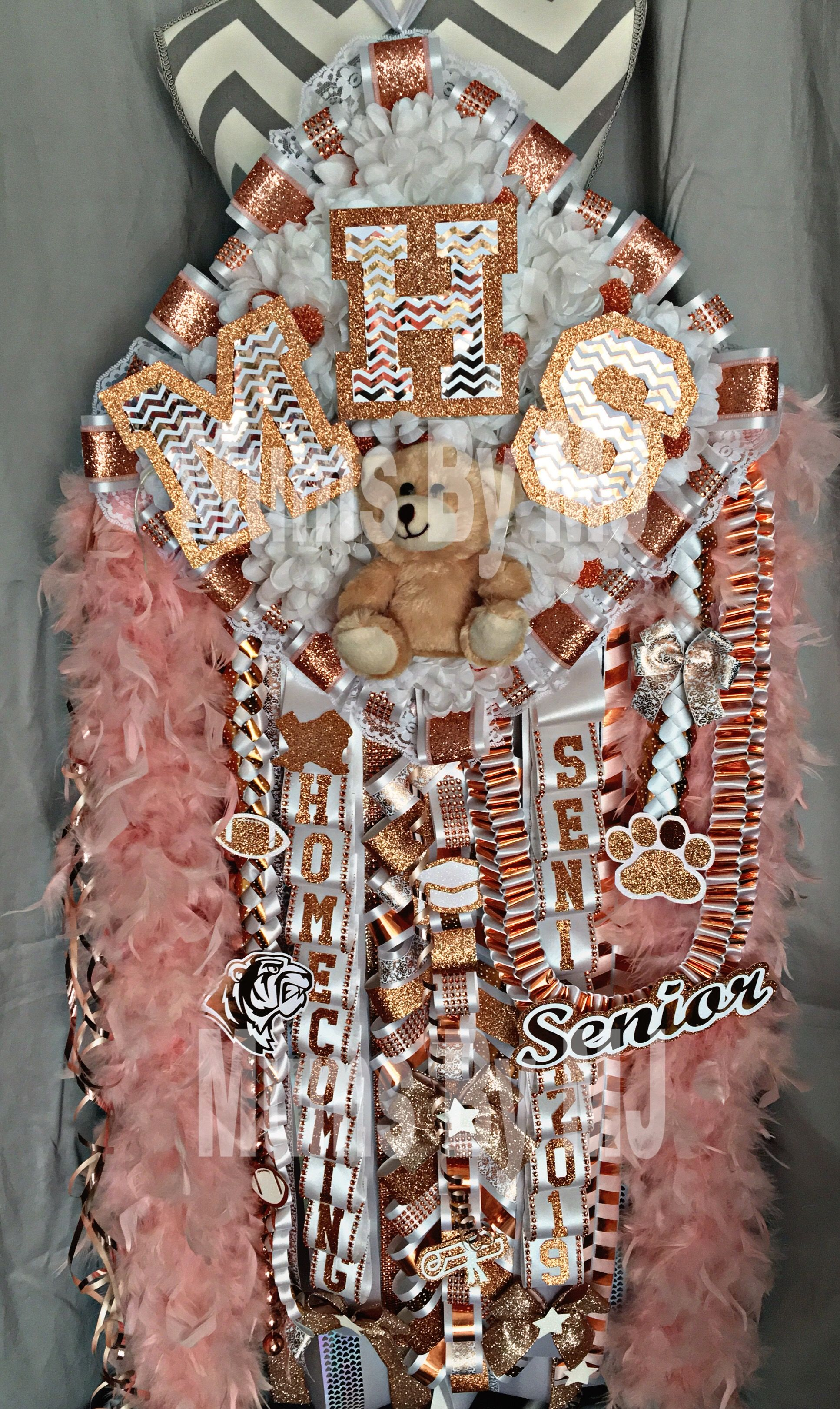 Rose Gold / Copper themed homecoming Mum! Mega-Diamond Mum from Mums By MJ www.facebook.com/mumsbymj Find us on instagram: @mumsbymj #homecomingmumsdiy