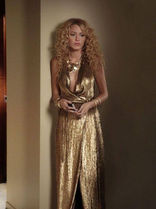 "Blake Lively looked breathtaking when wearing a metallic silk gown by Diane von Furstenberg in episode 9 ""Rhodes to Perdition"" of Gossip Girl's fifth season."