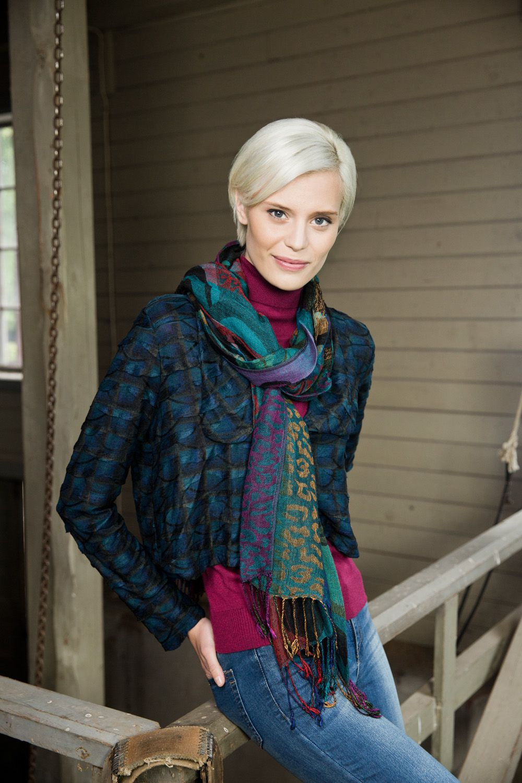 Jacket Britt with a scarf. www.kriss.eu