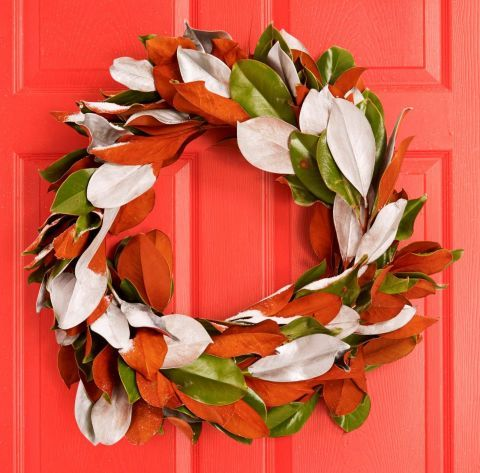 55 DIY Christmas Wreaths to Get You in the Holiday Spirit Gold