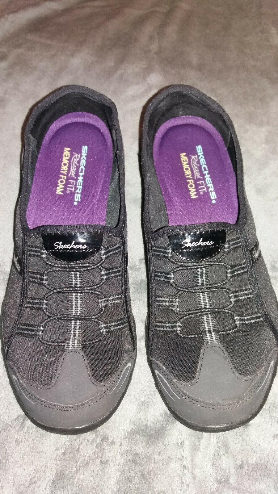 Sketchers Sz 9 Relaxed Fit Memory Foam Slip On Sneakers Black Sketcher Shoes Ideas Of Sketcher Shoes Sketcher Shoe Sketchers Shoes Shoes Slip On Sneakers