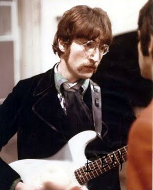 John & Strat SGT Peppers lonely hearts club band - recording