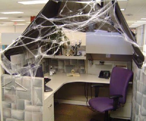 55 Best Halloween Cubicle Ideas Worth Replicating at Your Office - decorate cubicle for halloween