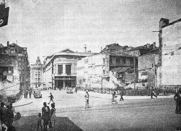 Demolições, para dar lugar à Praça D. João I - 1940.