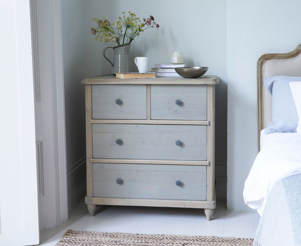 Beautiful Apeldoorn Chest Of Drawers In Medium