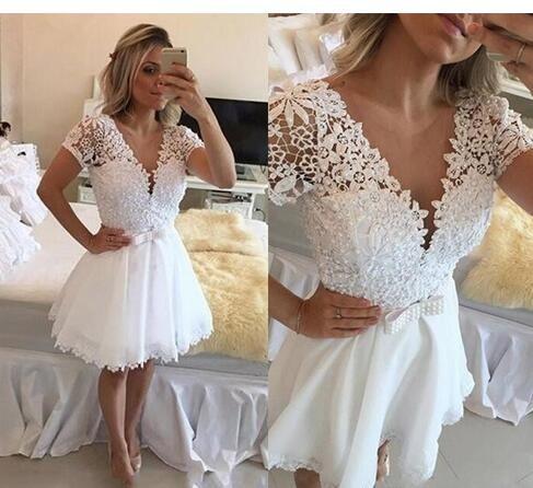 White Lace Applique Homecoming Dresses V Neck Short Sleeves Beaded Short Cocktail Gowns Knee Length With Sashes Custom Made Prom Dresses Sukienki Suknia Slubna Stylizacje