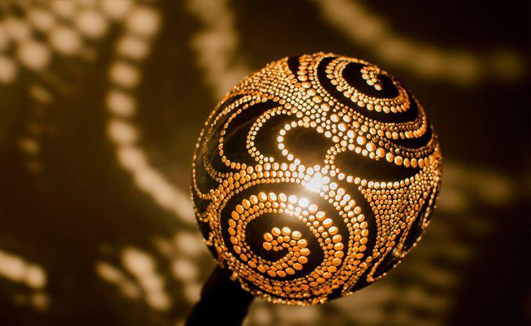Die Kokosnuss Lampe