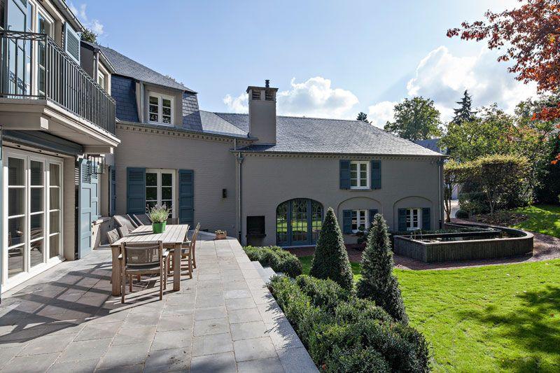 Klassieke villa exterieur theartofliving eu house