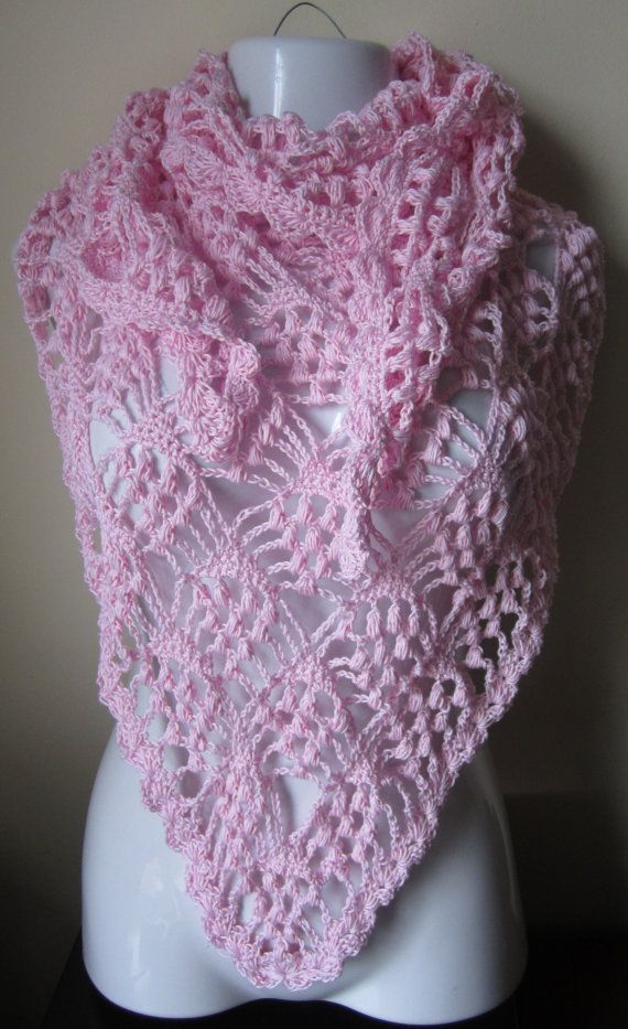 Lacy Crochet Triangular Shawl Pattern | Blush Pink Shawl