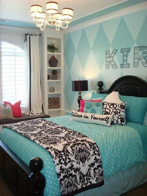 How great would something like this be in a Teen Room? Love the