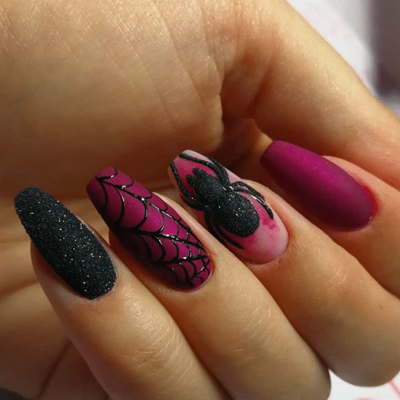 Super Spooky Nails That Will Get You Into The Halloween Spirit Cute Halloween Nails Halloween Nail Designs Holloween Nails