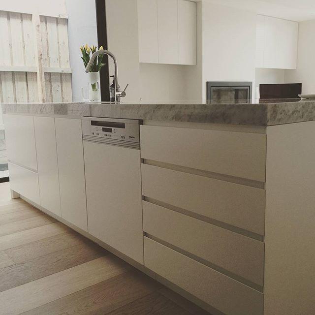 Carrara Marble Kitchen Benchtops: A Timeless Prahran Renovation In A Matt 2 Pac With Carrara Marble Benchtop, Standard Finger Pull