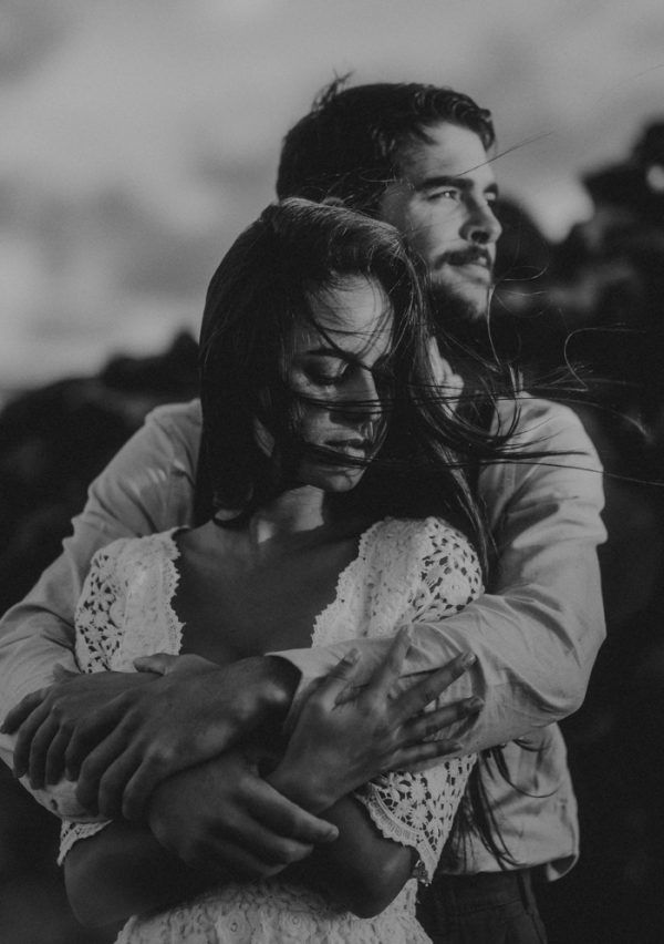 36 Photos That Prove Wind Is A Wedding Photographer S Best Friend Photobug Community Romantic Photoshoot Couple In Love Photography Couples In Love