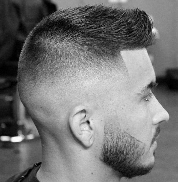 Immagini taglio capelli uomo cresta