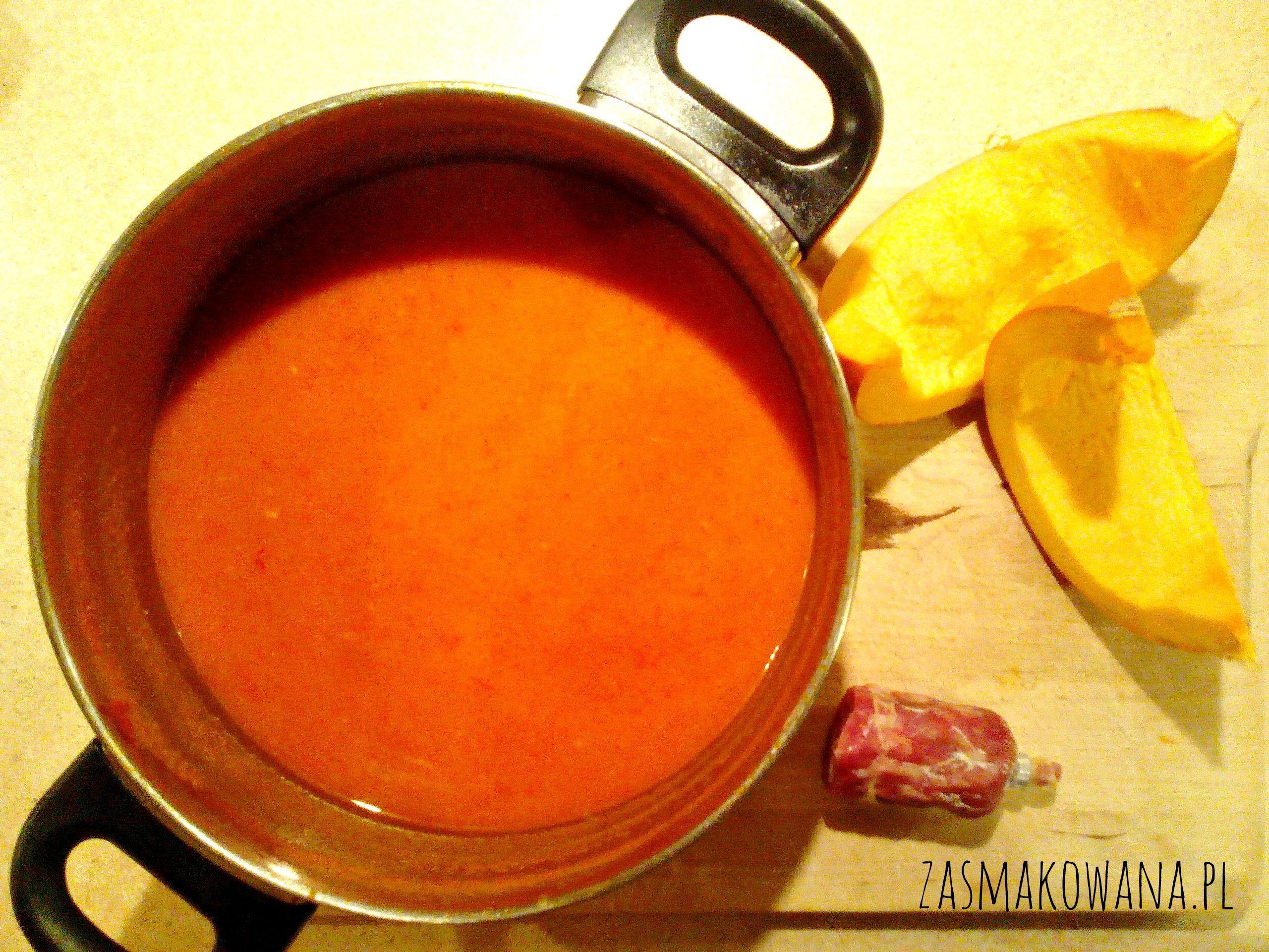 Krem z dyni z kuminem i chorizo http://www.zasmakowana.pl/krem-z-dyni-z-chorizo/