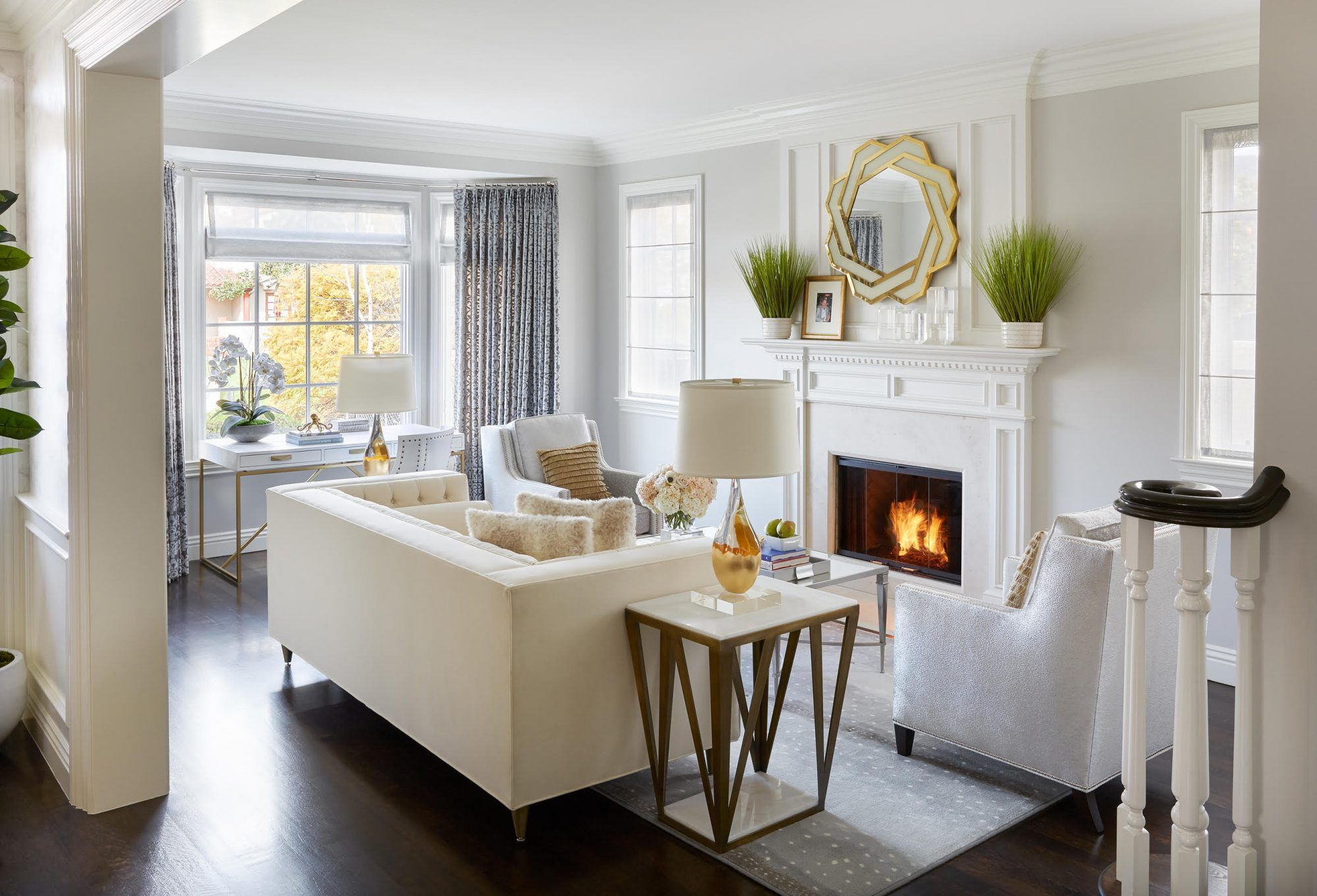 10 Chic And Stylish Living Rooms And Expert Advice On Ho