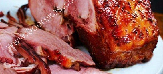 1 tot 2 kg gerookte varkboud (Gammon) jou duim se lengte vars gemmer, geskil en in skyfies gesny 150 ml brandewyn (opsioneel maar dit gee 'n wonderlike geur) 200 ml heuning – warm gema…
