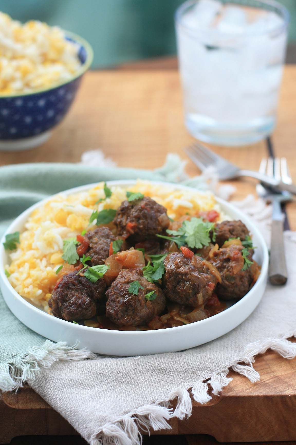 Burmese meatball curry via this blog girl cooks world main burmese meatball curry via this blog girl cooks world spicy food recipesdetox forumfinder Choice Image