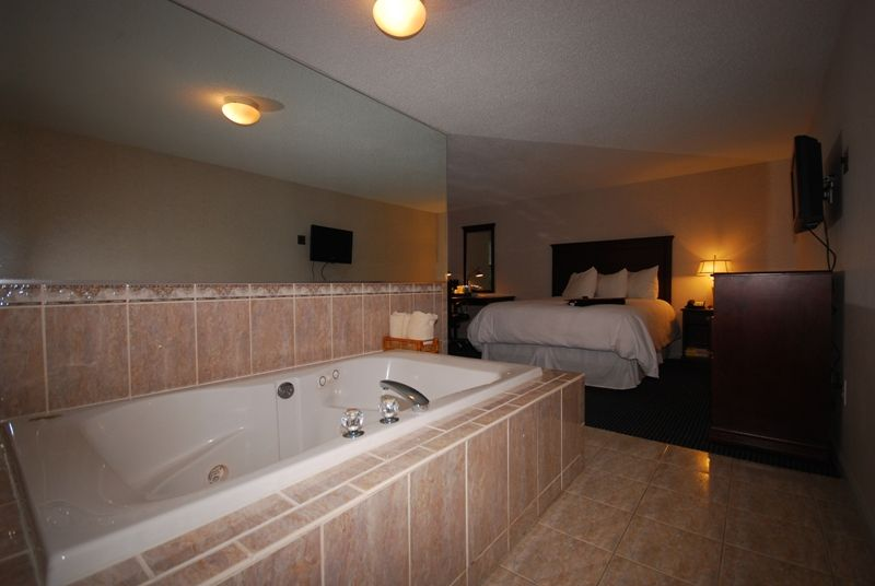 Rooms With Jacuzzi Tubs