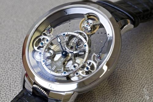 đồng hồ Arnold & Son bản vàng đỏ 18k