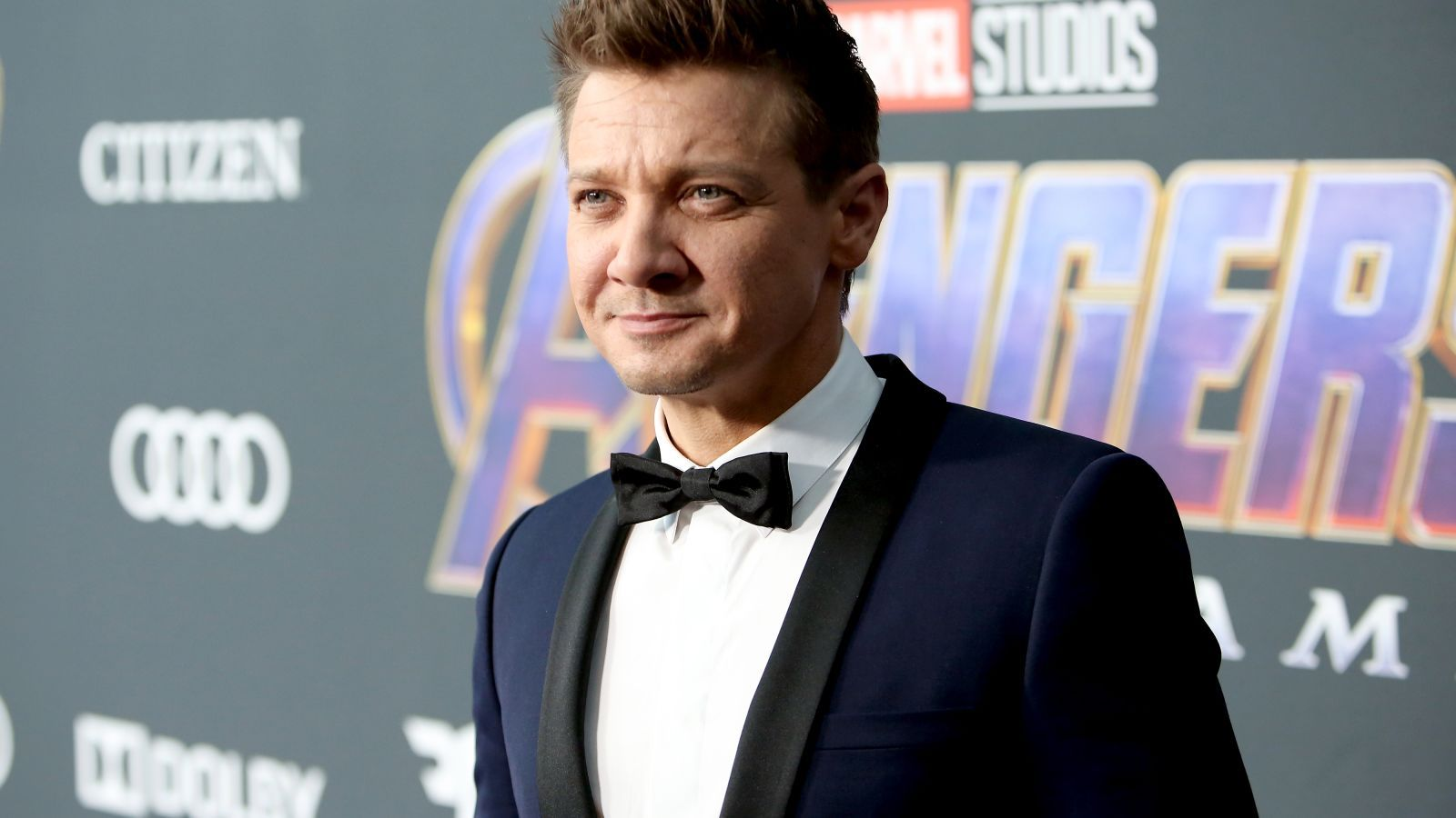 Jeremy Renner's out here trying to singlehandedly save
