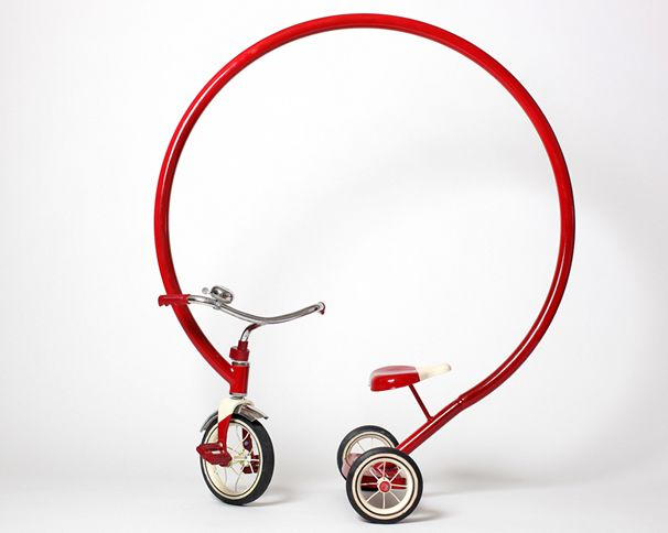 Loop Trike Sculpture / Sergio Garcia