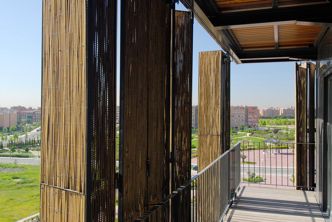 Immeuble cologique et conomique carabanchel banlieue de madrid volets coulissants en - Immeuble ecologique ...