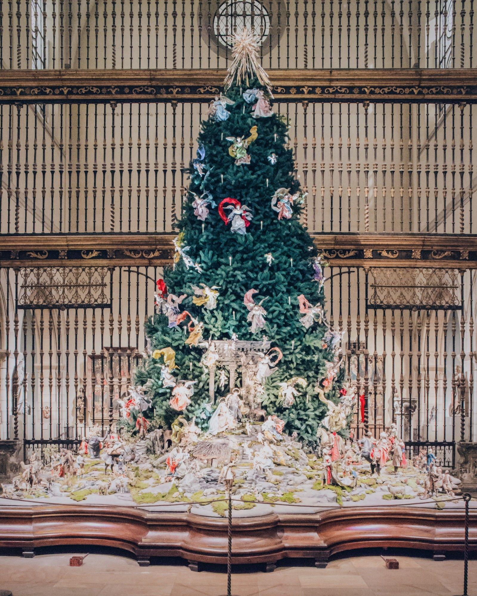 nyc s best spots to feel festive pinterest metropolitan museum