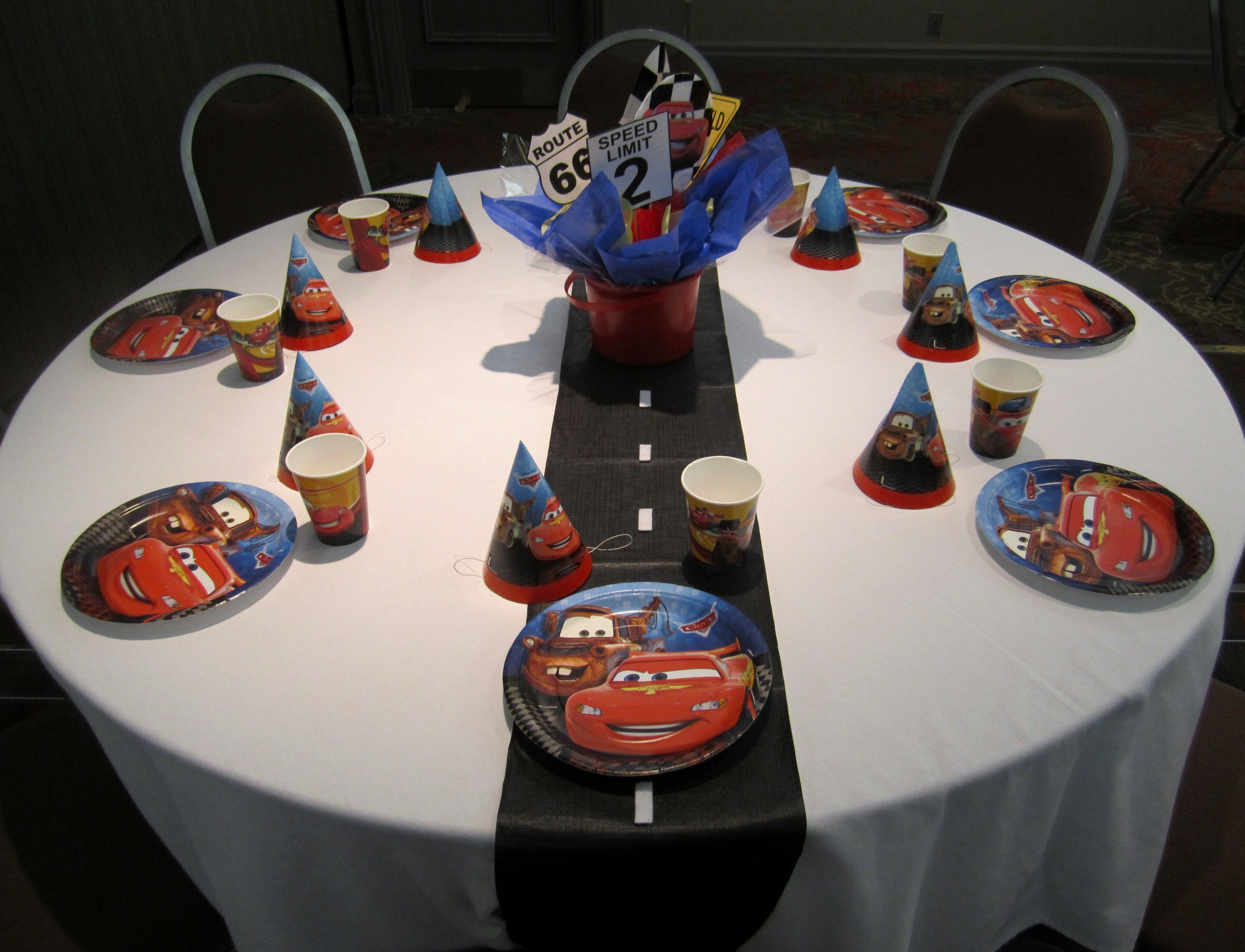 Kids Table With A Road Sign Centerpiece And Roadway Table Runner, Justinu0027s  2nd Bday
