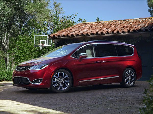 2017 Chrysler Pacifica First Review Kelley Blue Book Chrysler